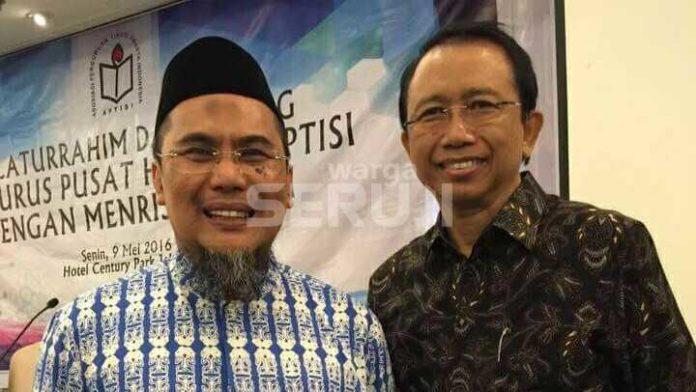 Taufan Maulamin (kiri)